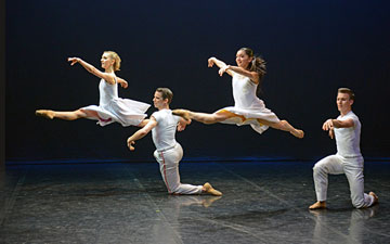 Antoinette Brooks-Daw, Rachael Gillespie, Jeremy Curnier and Matthew Topliss in Lar Lubovitch's Concerto Six Twenty-Two.© Dave Morgan. (Click image for larger version)
