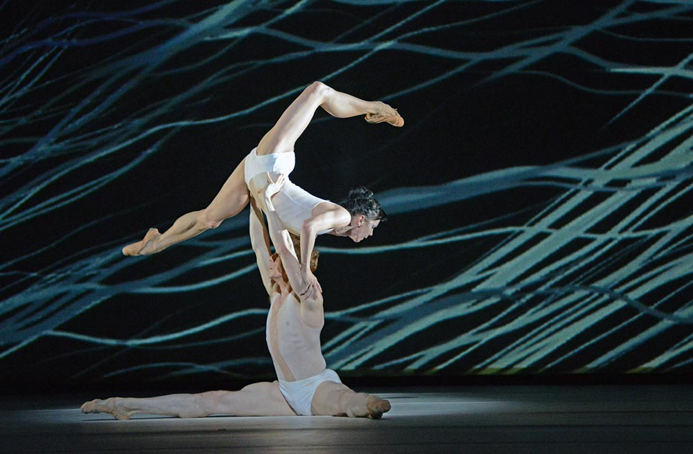 Natalia Osipova and Edward Watson in Alastair Marriott's Connectome.© Dave Morgan, courtesy the Royal Opera House. (Click image for larger version)