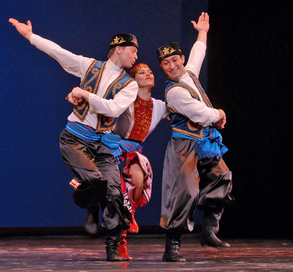 The Moiseyev Folkdance Company.<br />© Igor Zakharkin. (Click image for larger version)