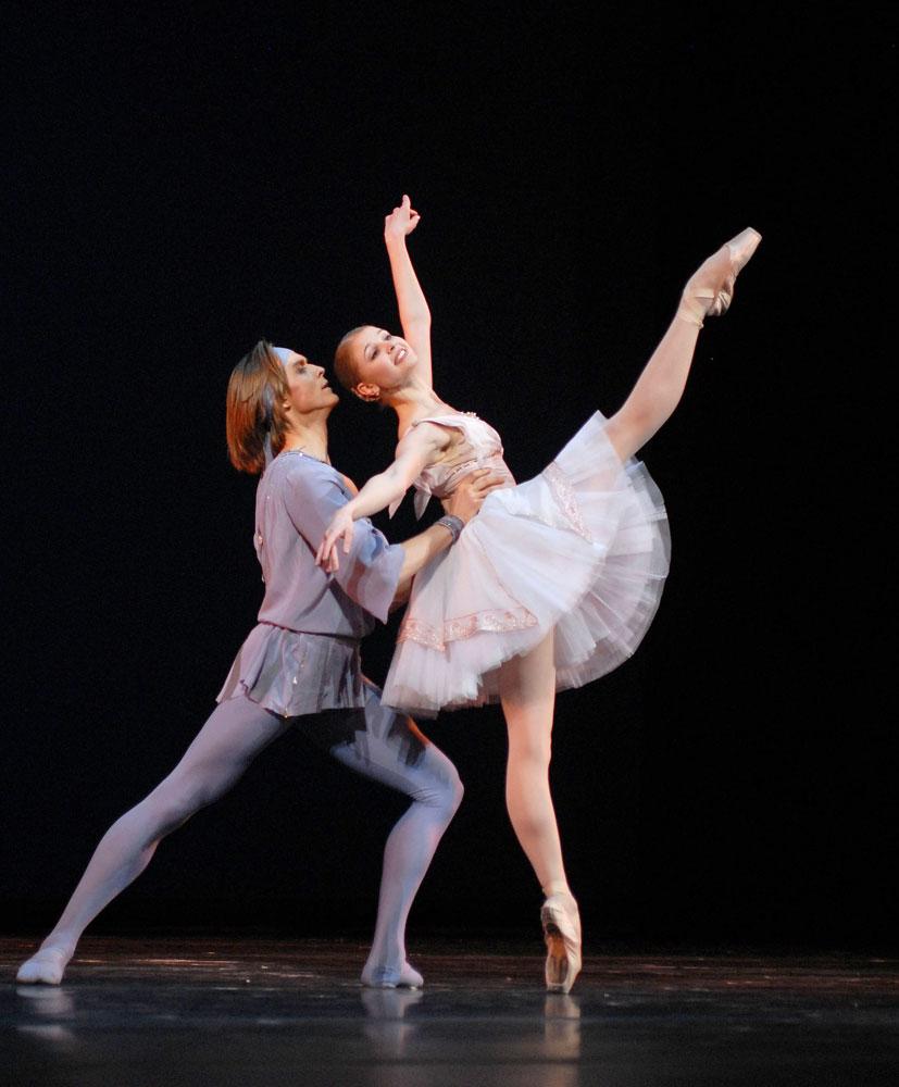 Angelina Vorontsova and Denis Rodkin in <I>Talisman pas de deux</I>.<br />© Igor Zakharkin. (Click image for larger version)