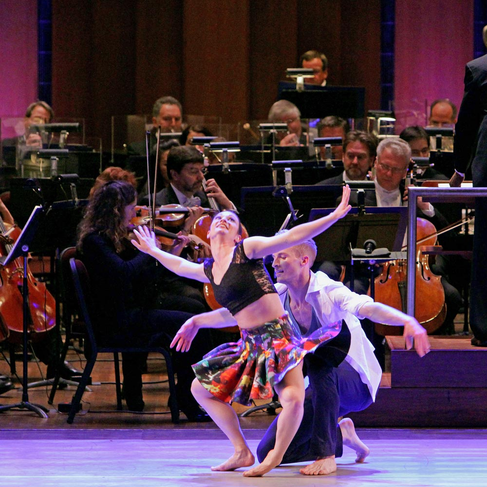 Ashley Browne and Kile Hotchkiss of Keigwin + Company in the National Symphony Orchestra: NEW MOVES program.<br />© Kyle Manfredi. (Click image for larger version)