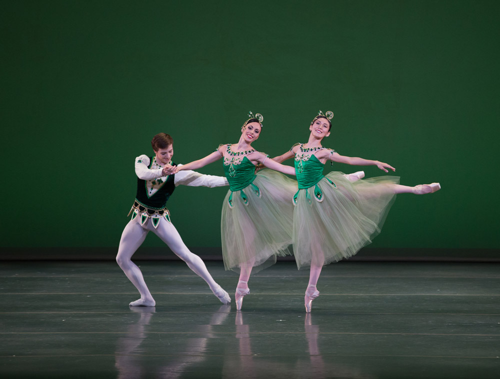 Isaac Akiba, Dalay Parrondo and Rie Ichikawa in <I>Emeralds</I>, © The George Balanchine Trust.<br />© Rosalie O'Connor. (Click image for larger version)