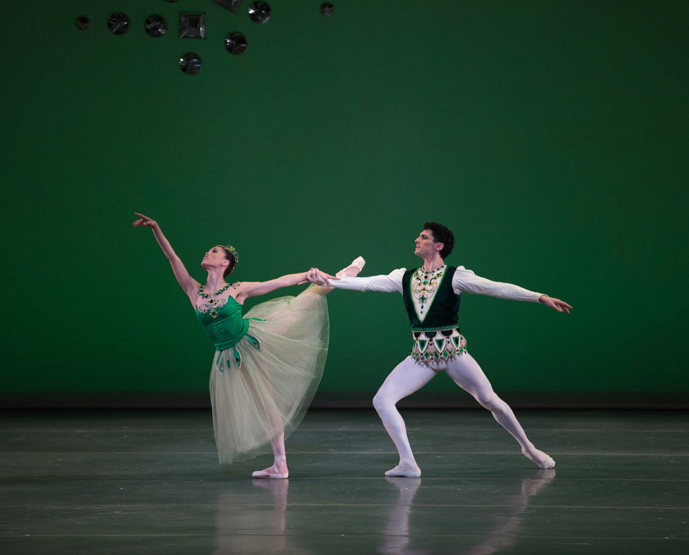 Lia Cirio and Lasha Khozashvili in <I>Emeralds</I>, © The George Balanchine Trust.<br />© Rosalie O'Connor. (Click image for larger version)