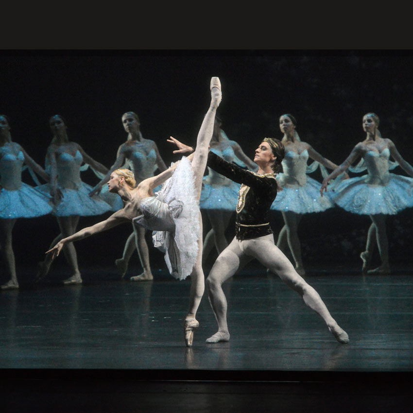 Sergei Polunin and Natalia Somova in <I>La Bayadere</I>.<br />© Sergei Andreetsev. (Click image for larger version)