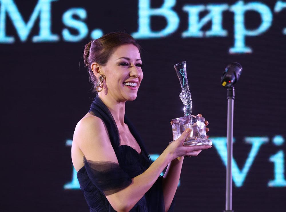 Kristina Kretova - winner of the Dance Open Ms Virtuosity prize.© Stas Levshin. (Click image for larger version)