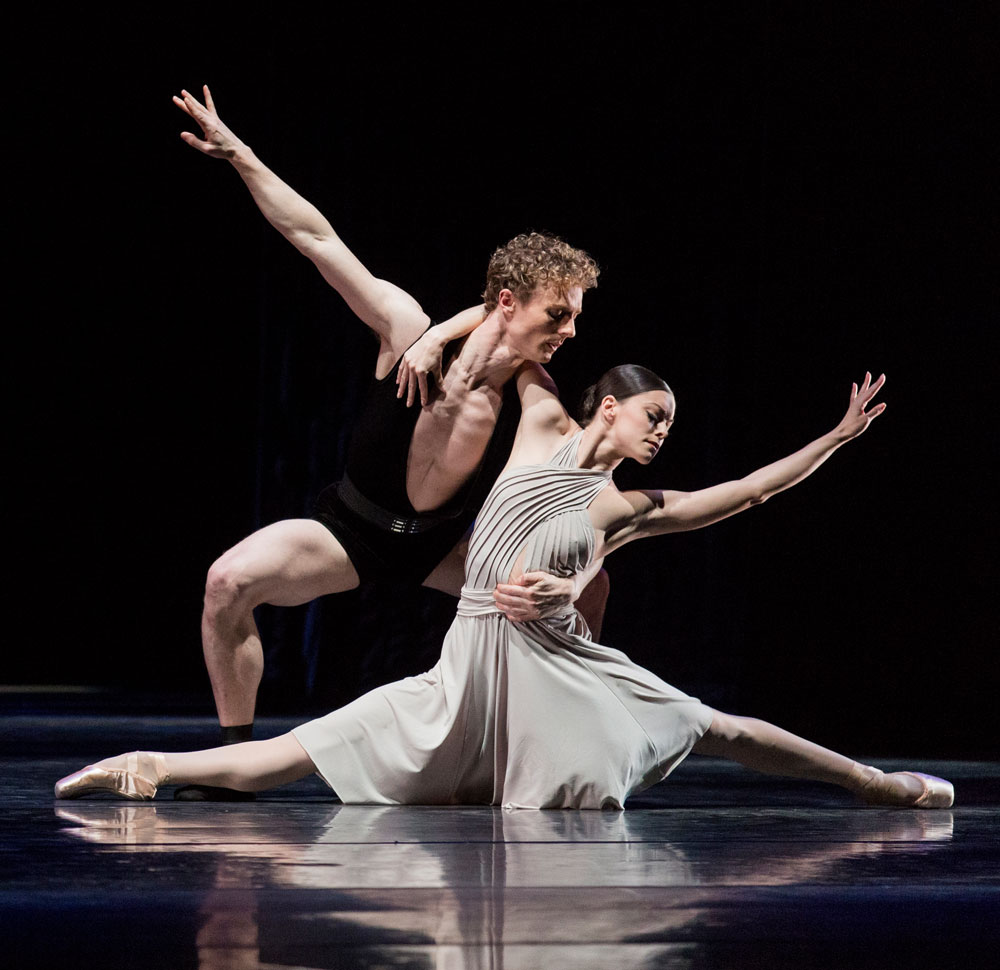 Megan Zimny Kaftira and Remi Wortmeyer in Dutch National Ballet's Tribute to Hans van Manen.© Stas Levshin. (Click image for larger version)