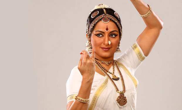 Vidhya Subramanian.<br />© World Music Institute. (Click image for larger version)