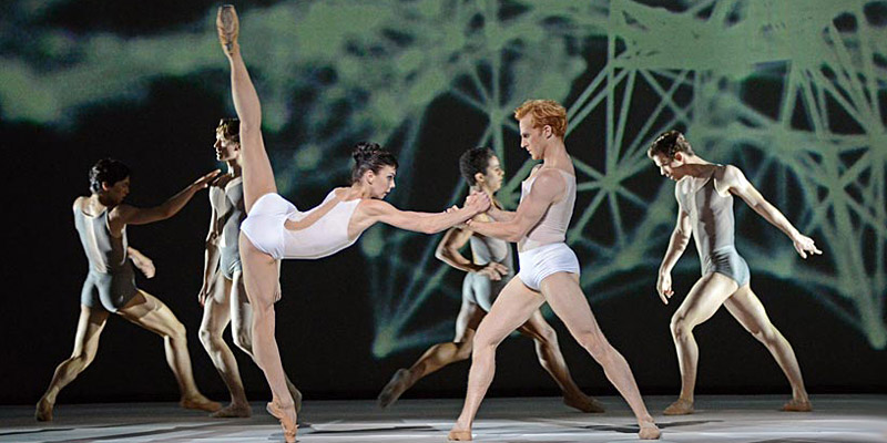 Natalia Osipova and Steven McRae in Alastair Marriott's Connectome.© Dave Morgan, courtesy the Royal Opera House. (Click image for larger version)