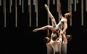 Steven McRae (with Marcelino Sambe, Matthew Ball, Luca Acri and Tomas Mock) in Alastair Marriott's Connectome.© Dave Morgan, courtesy the Royal Opera House. (Click image for larger version)
