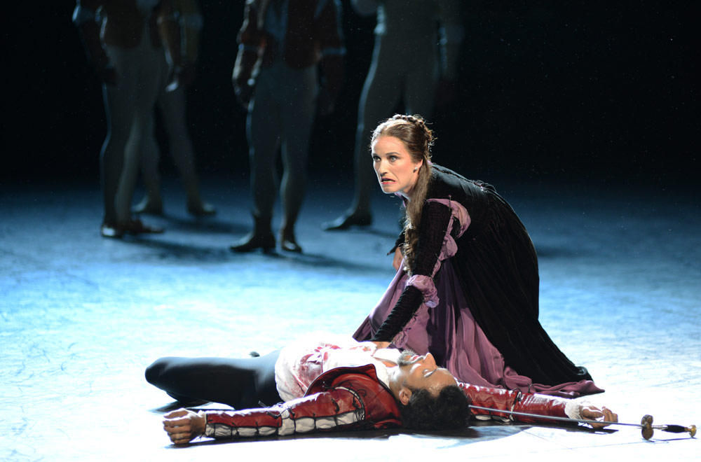 Jane Haworth and Fabian Reimair in <I>Romeo and Juliet</I>.<br />© Dave Morgan. (Click image for larger version)