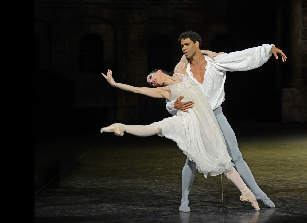 Tamara Rojo and Carlos Acosta in Romeo and Juliet.© Dave Morgan. (Click image for larger version)