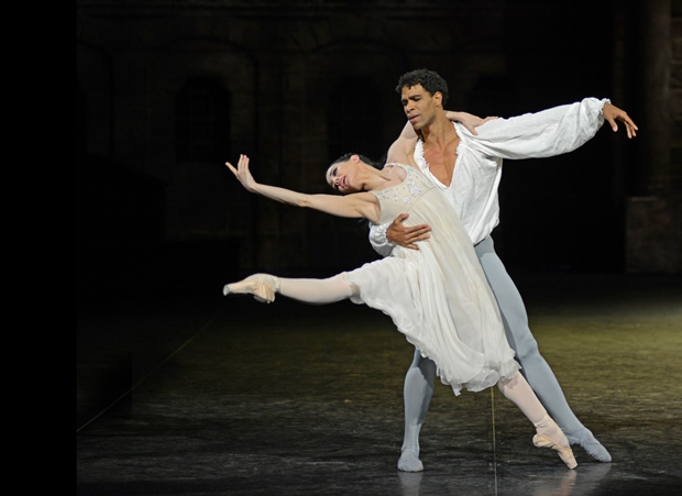 Tamara Rojo and Carlos Acosta in <I>Romeo and Juliet</I>.<br />© Dave Morgan. (Click image for larger version)