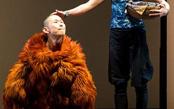 Guro Nagelhus Schia and Kazutomi 'Tsuki' Kozuki in Matter.© Foteini Christofilopoulou. (Click image for larger version)