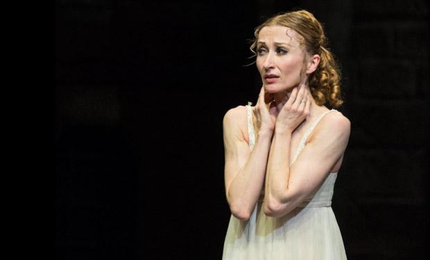 Daria Klimentová in <I>Romeo and Juliet</I>.<br />© Foteini Christofilopoulou. (Click image for larger version)