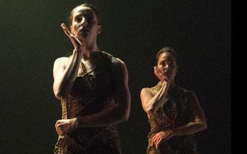 Kim Kohlmann and Aimée Lagrange in Skinship, choreographed by Kim Kohlmann.© Foteini Christofilopoulou. (Click image for larger version)