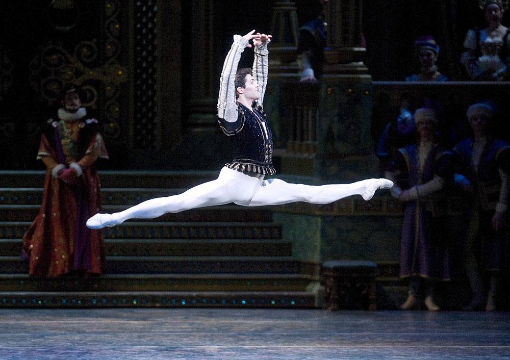 Roberto Bolle as Prince Siegfried in <I>Swan Lake</I>.<br />© Gene Schiavone. (Click image for larger version)