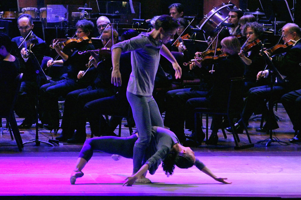 Laura Mead and Kirk Henning of Jessica Lang Dance performing Scape with the National Symphony Orchestra.© Kyle Manfredi. (Click image for larger version)