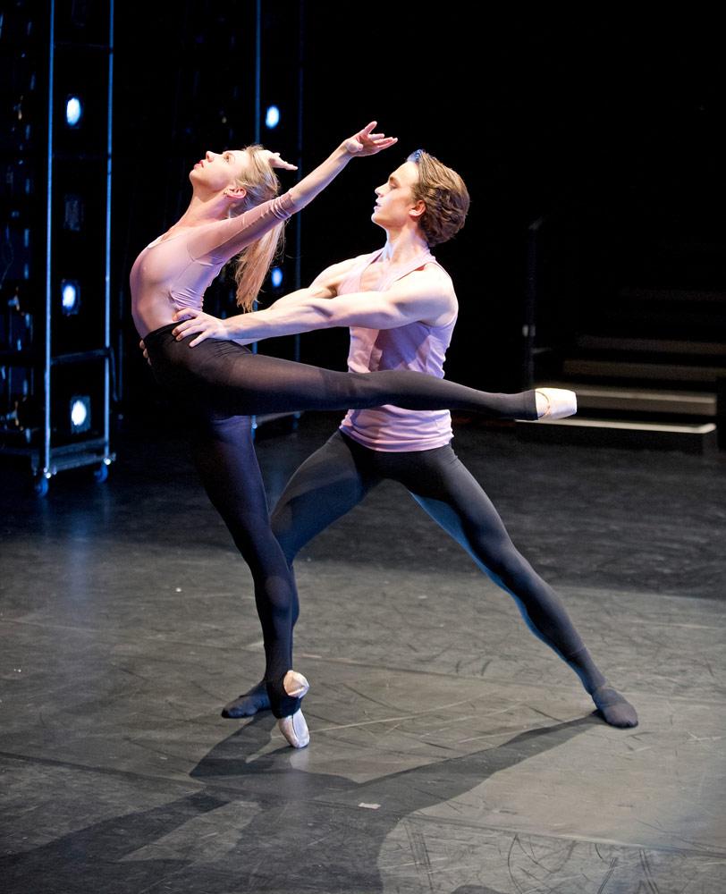 Jacqueline Clark and Matthew Ball in Sander Blommaert's <I>Les Deux, Comme Un</I>, Draft Works 2014.<br />© Tristram Kenton / ROH, 2014. (Click image for larger version)