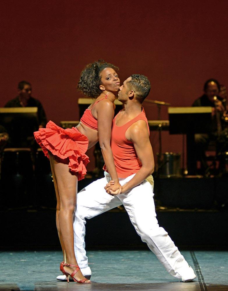 Elaine Lucia and James Batista in <I>Brasil Brasileiro</I>.<br />© Dave Morgan. (Click image for larger version)