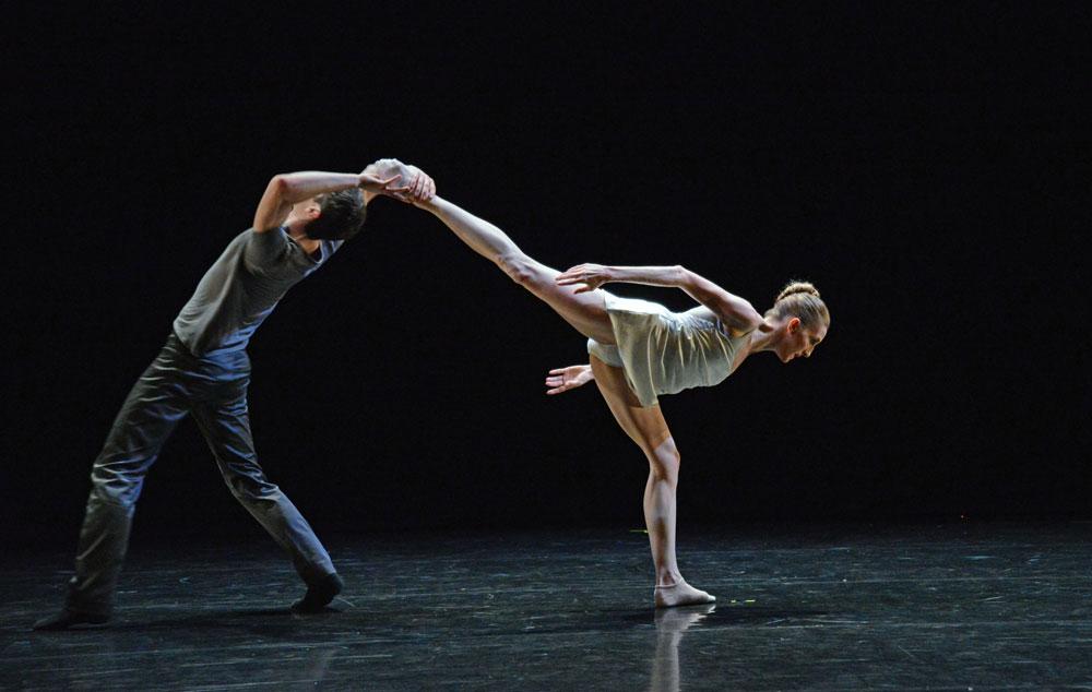 Wendy Whelan and Alejandro Cerrudo in Cerrudo Ego et Tu.© Dave Morgan, courtesy the Royal Opera House. (Click image for larger version)