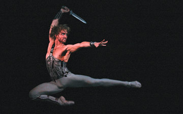 Mikhail Lobukhin in Spartacus.© Damir Yusupov. (Click image for larger version)