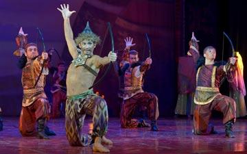 Les Saisons Russes / Natalia Sats Opera & Ballet - Polovtsian Dances.© Elena Lapina. (Click image for larger version)