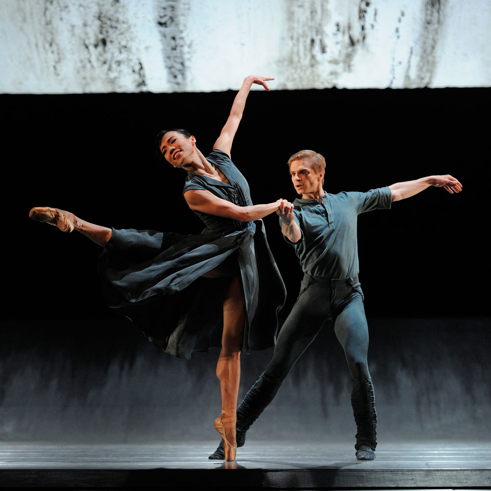 Frances Chung and Gennadi Nedvigin in Liam Scarlett's <I>Hummingbird</I>.<br />© Erik Tomasson. (Click image for larger version)