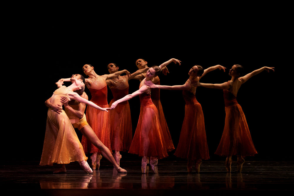 San Francisco Ballet in Edwaard Liang's <I>Symphonic Dances</I>.<br />© Erik Tomasson. (Click image for larger version)