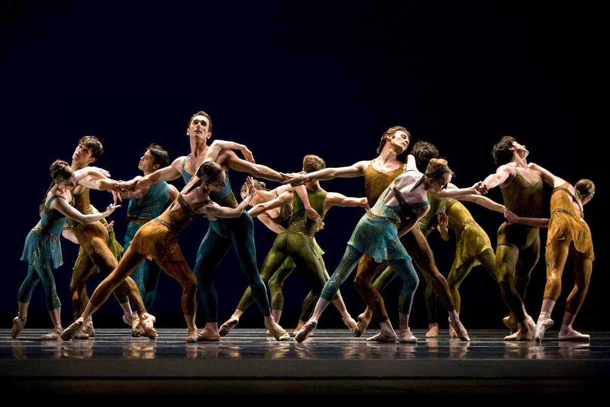 San Francisco Ballet in Christopher Wheeldon's Within The Golden Hour.© Erik Tomasson. (Click image for larger version)