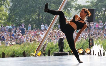 Ballet Revolucion at Latitude Festival 2014.© Lise Smith. (Click image for larger version)