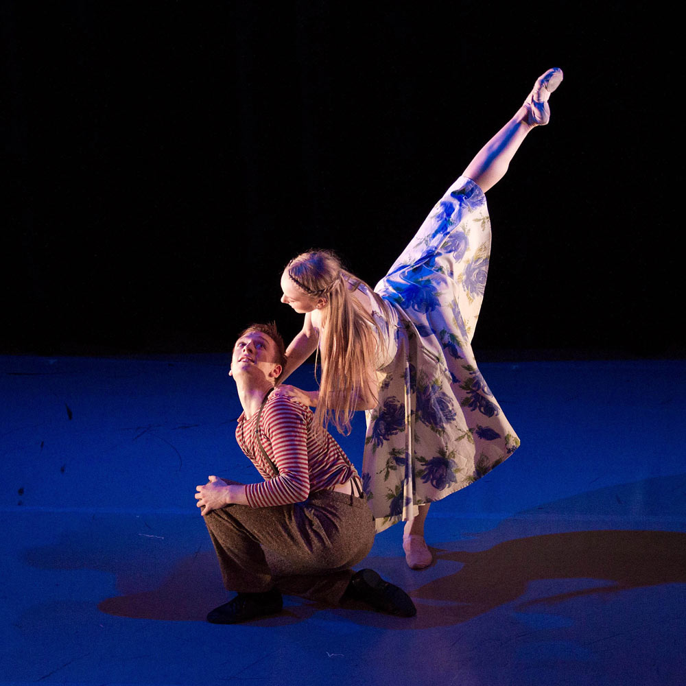 Ballet Central - <I>Carousel Dances</I>, choreography Christopher Marney (Central alumnus), performed by Central students Emma Walker and Duncan Anderson.<br />© Martin Bell. (Click image for larger version)