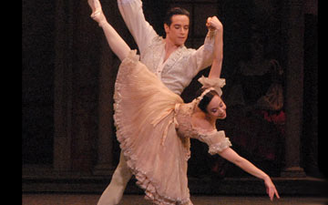 Xiomara Reyes and Sascha Radetsky in Coppélia.© MIRA. (Click image for larger version)