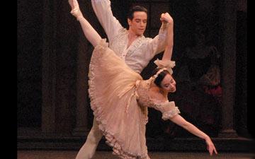 Xiomara Reyes and Sascha Radetsky in Coppélia.© MIRA. (Click image for larger version)