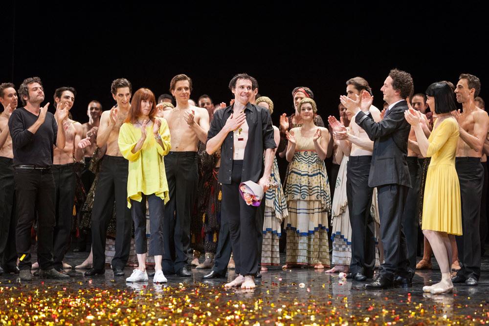 Nicolas Le Riche farewell - final curtain calls.© Sébastien Mathé / Opéra national de Paris. (Click image for larger version)