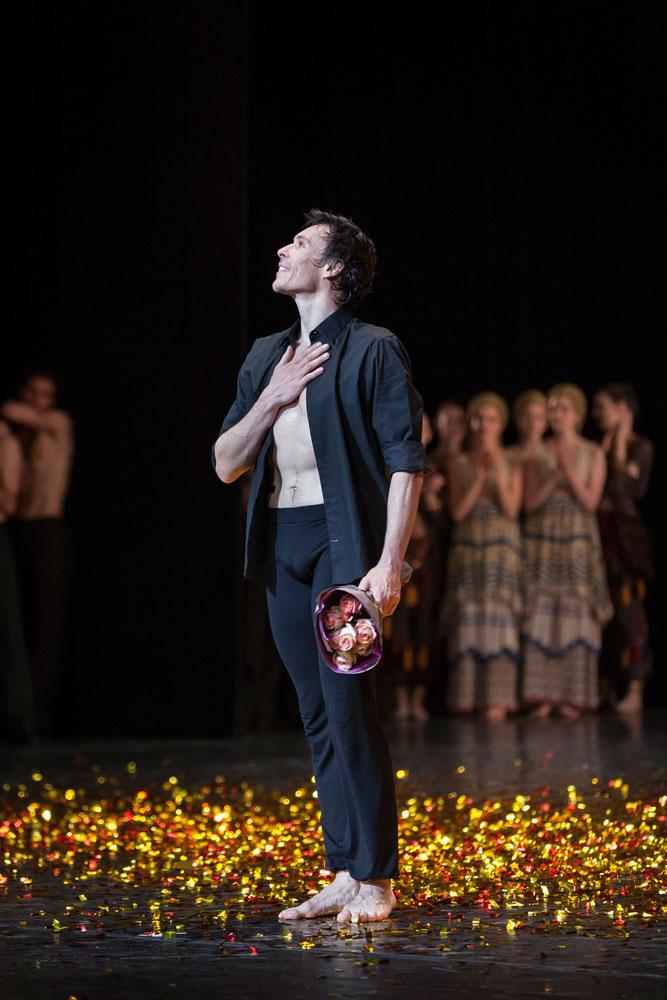 Nicolas Le Riche farewell - final curtain calls.<br />© Sébastien Mathé / Opéra national de Paris. (Click image for larger version)