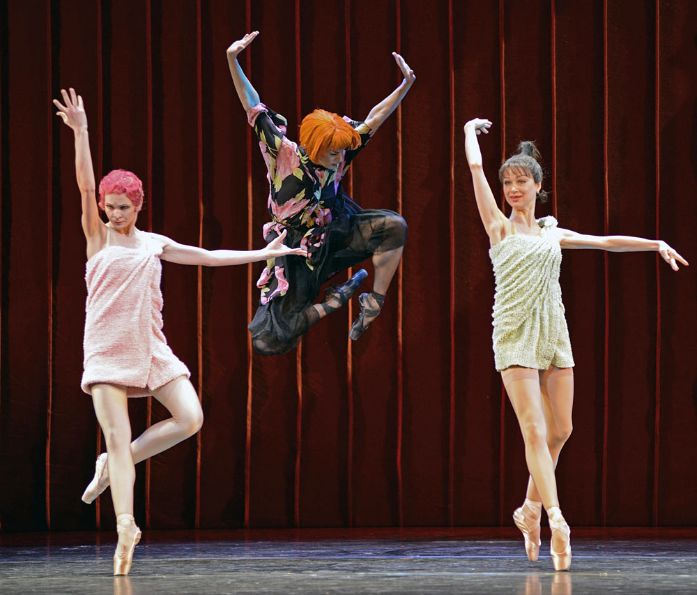 Ekatarina Ivannikova, Anastasia Petushkova and Margarita Frolova (sisters and Stepmother) in Cinderella.© Dave Morgan. (Click image for larger version)