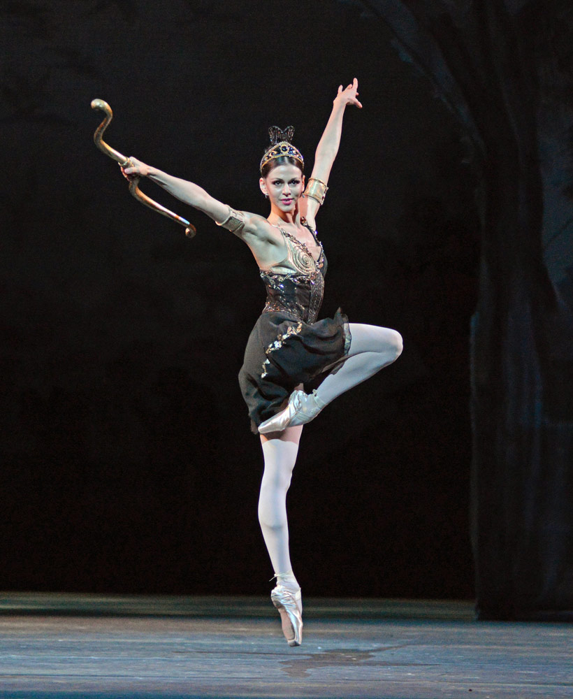 Anastasia Matvienko (Hippolyta) in A Midsummer Night's Dream.© Dave Morgan. (Click image for larger version)