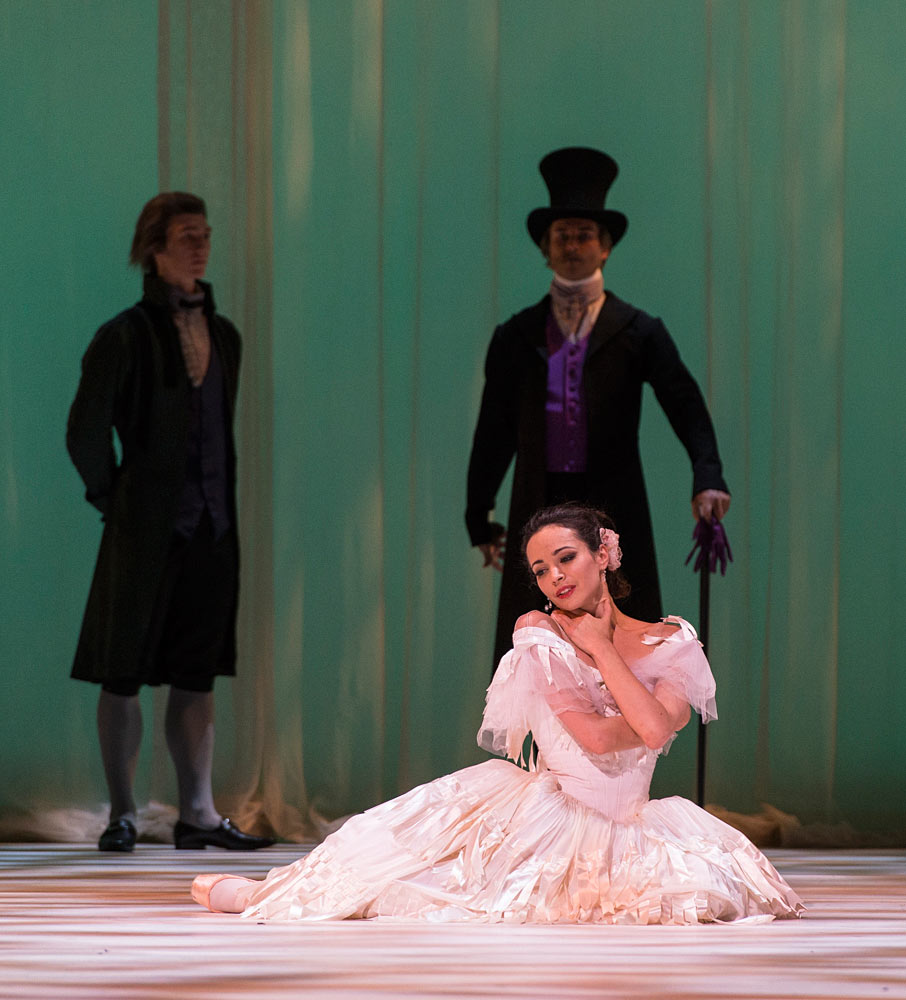Diana Vishneva (Marguerite) and Andrei Yakovlev (Father) in Marguerite and Armand.© Foteini Christofilopoulou. (Click image for larger version)