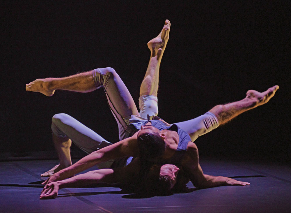 Andrea Currucciu and Bradley Waller in Wheldon's <I>Mesmerics</I>.<br />© Dave Morgan. (Click image for larger version)