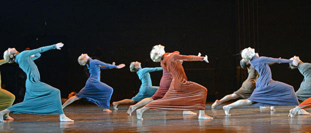 Royal Swedish Ballet in Mats Ek's <I>Juliet and Romeo</I>.<br />© Dave Morgan. (Click image for larger version)