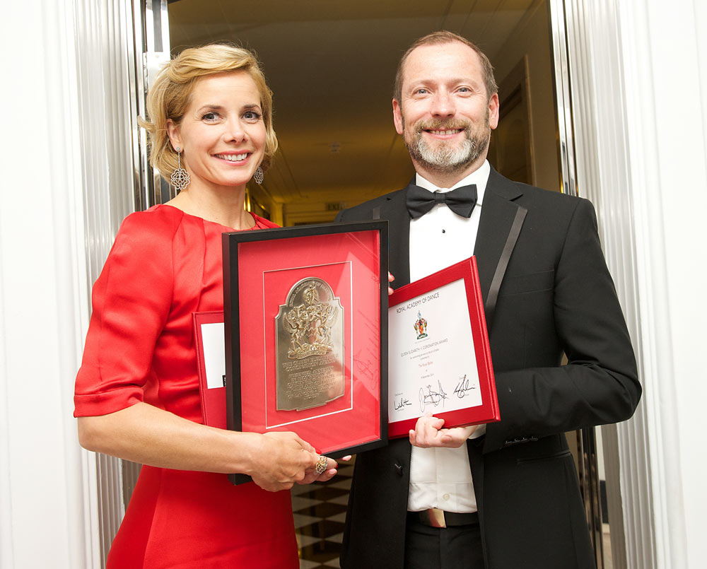 Darcey Bussell (President Royal Academy of Dance) and Kevin O'Hare (Director The Royal Ballet) with the QEII Award.<br />© Elliott Franks, Royal Academy of Dance . (Click image for larger version)