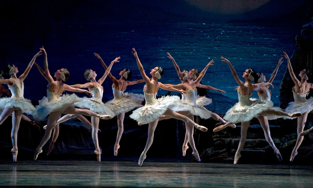 American Ballet Theatre in <I>Swan Lake</I>.<br />© Gene Schiavone. (Click image for larger version)
