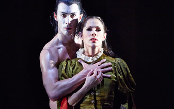 Tobias Batley as Dracula and Martha Leebolt as Mina in Dracula.© Justin Slee. (Click image for larger version)