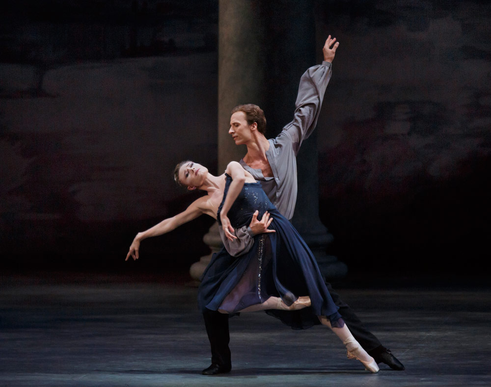 Sara Mearns and Ask la Cour in Peter Martins' Morgen.© Paul Kolnik. (Click image for larger version)