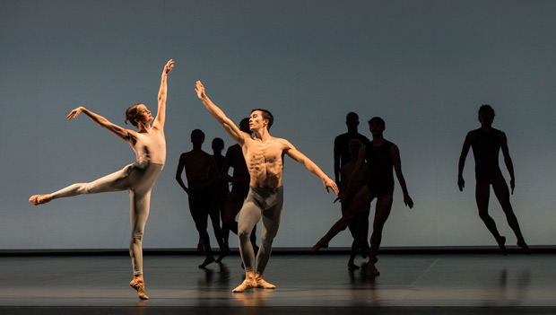 Anna Nowak and James Pett in Wayne McGregor's <I>Outlier</I>.<br />© Foteini Christofilopoulou. (Click image for larger version)
