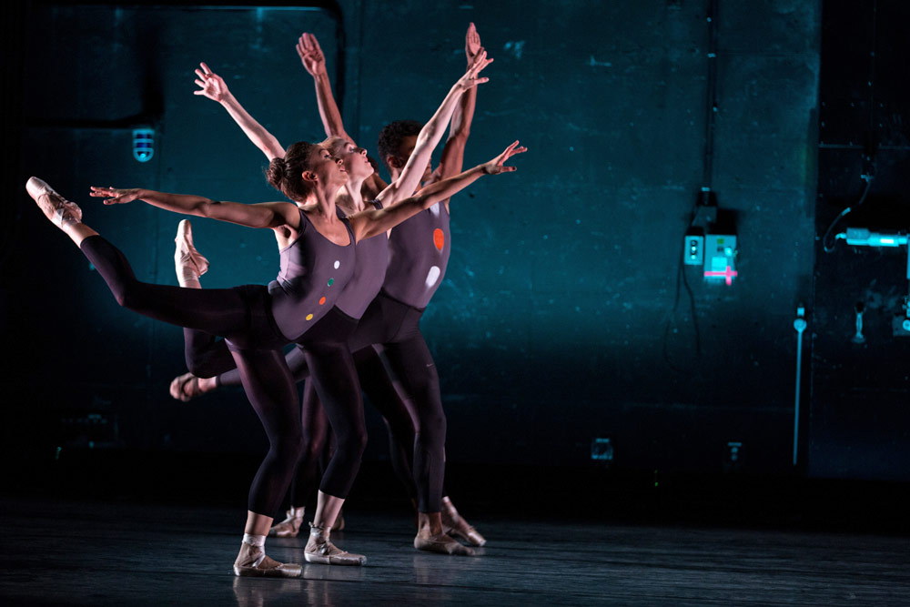 BalletCollective in <I>All That We See</I>.<br />© Matthew Murphy. (Click image for larger version)