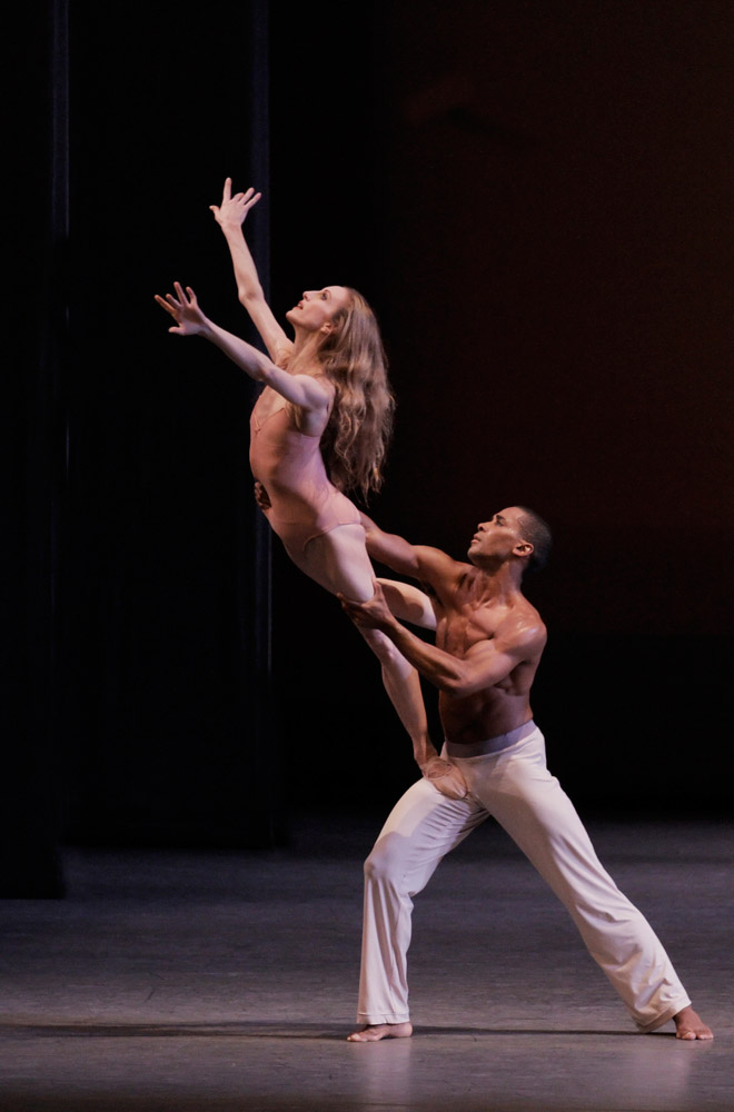 Wendy Whelan and Craig Hall in Christopher Wheeldon's <I>After the Rain</I>.<br />© Paul Kolnik. (Click image for larger version)