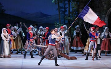 Ivan Vasiliev in Flames of Paris.© Costas. (Click image for larger version)