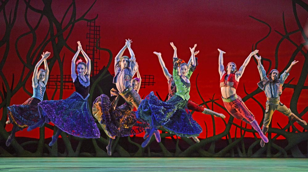 Royal Ballet as Gypsy dancers in <I>Don Quixote</I>.<br />© Dave Morgan, courtesy the Royal Opera House. (Click image for larger version)