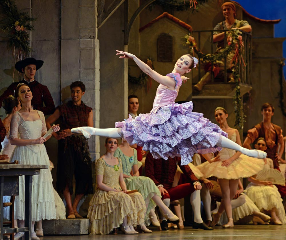 Helen Crawford in <I>Don Quixote</I>.<br />© Dave Morgan, courtesy the Royal Opera House. (Click image for larger version)